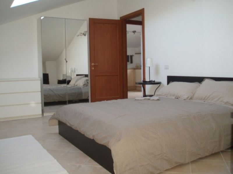 Attico / Mansarda in affitto a Cogorno, 3 locali, prezzo € 500 | CambioCasa.it