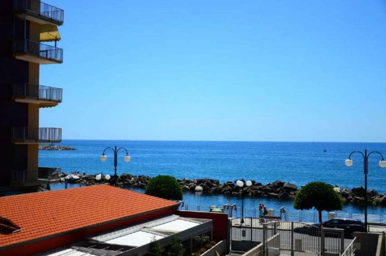 Appartamento in affitto a Chiavari, 3 locali, prezzo € 800 | Cambio Casa.it