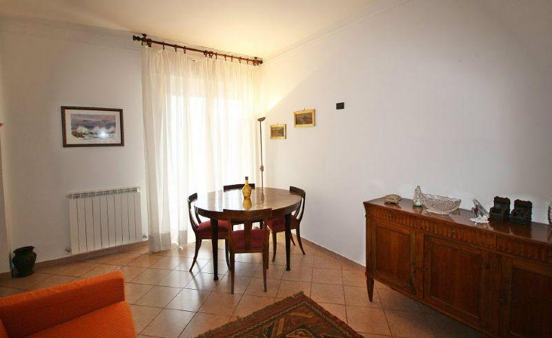 Bilocale Lavagna Via Via Cesare Battisti 1