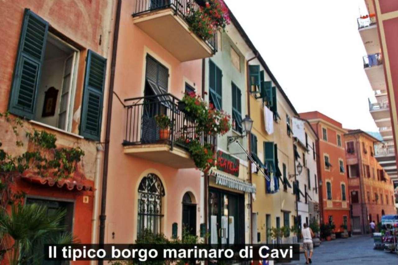 Soluzione Indipendente in vendita a Lavagna, 5 locali, prezzo € 290.000 | Cambio Casa.it