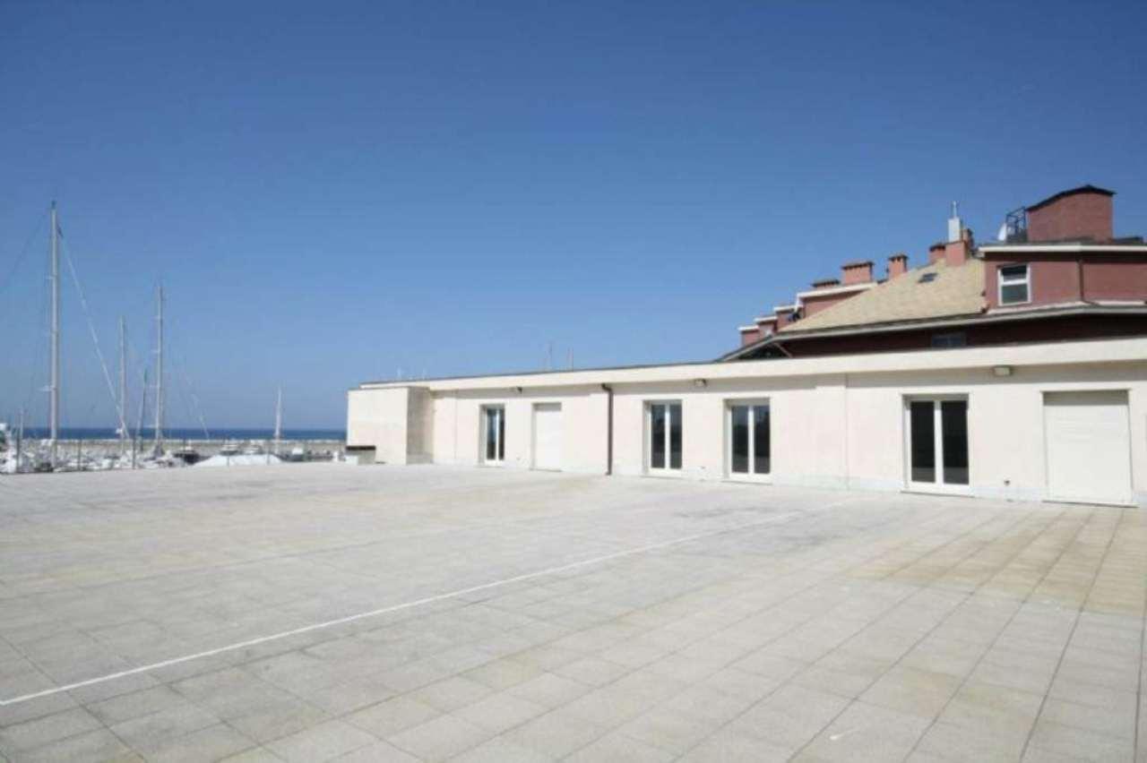 Ufficio / Studio in affitto a Lavagna, 1 locali, prezzo € 620 | Cambio Casa.it