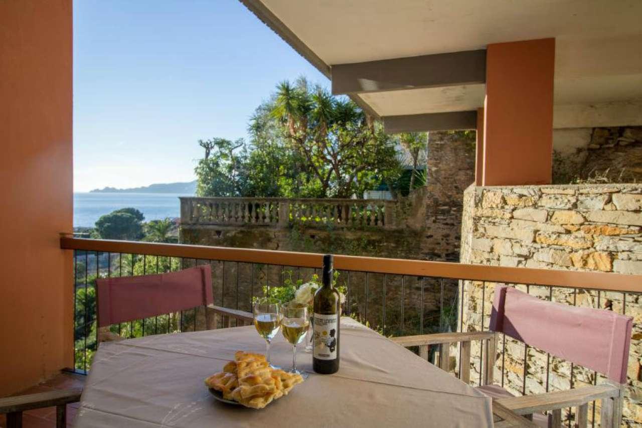 Appartamento in affitto a Chiavari, 4 locali, prezzo € 750 | CambioCasa.it