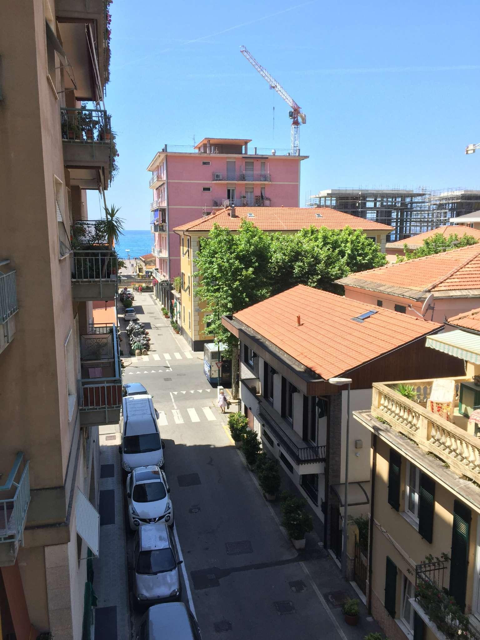 Appartamento in affitto a Chiavari, 5 locali, prezzo € 700 | CambioCasa.it