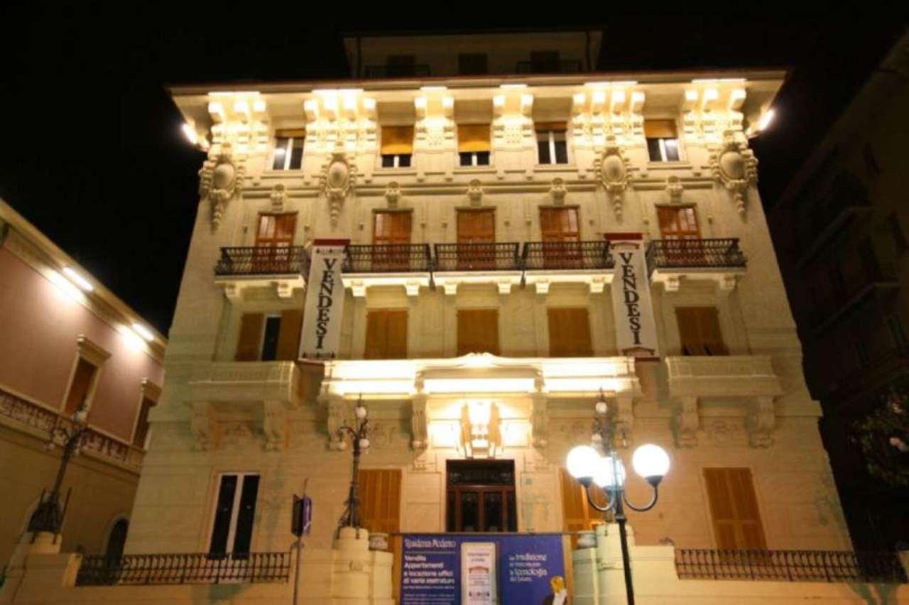 Bilocale Chiavari Piazza Nostra Signora Dell'orto 8