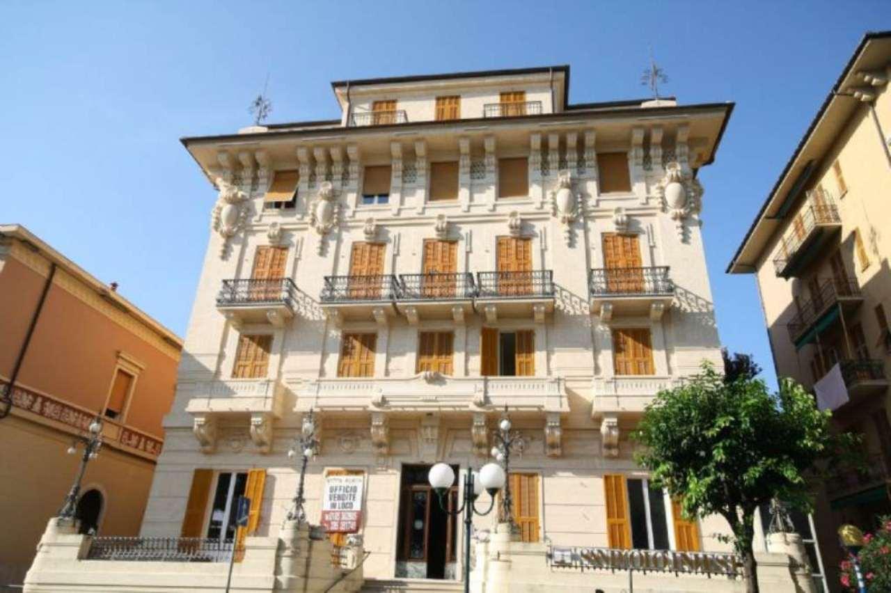 Bilocale Chiavari Piazza Nostra Signora Dell'orto 1