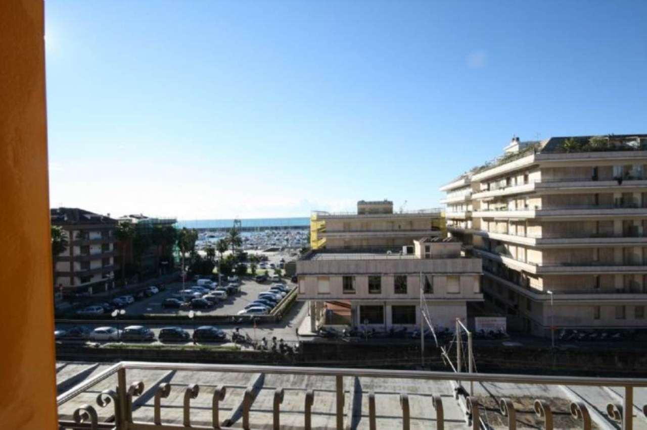 Bilocale Chiavari Piazza Nostra Signora Dell'orto 12