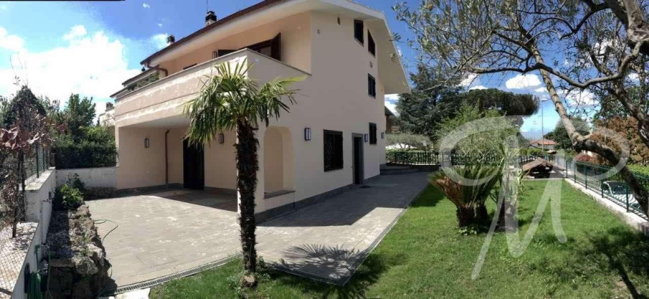 Soluzione Indipendente in vendita a Grottaferrata, 7 locali, prezzo € 560.000 | Cambio Casa.it