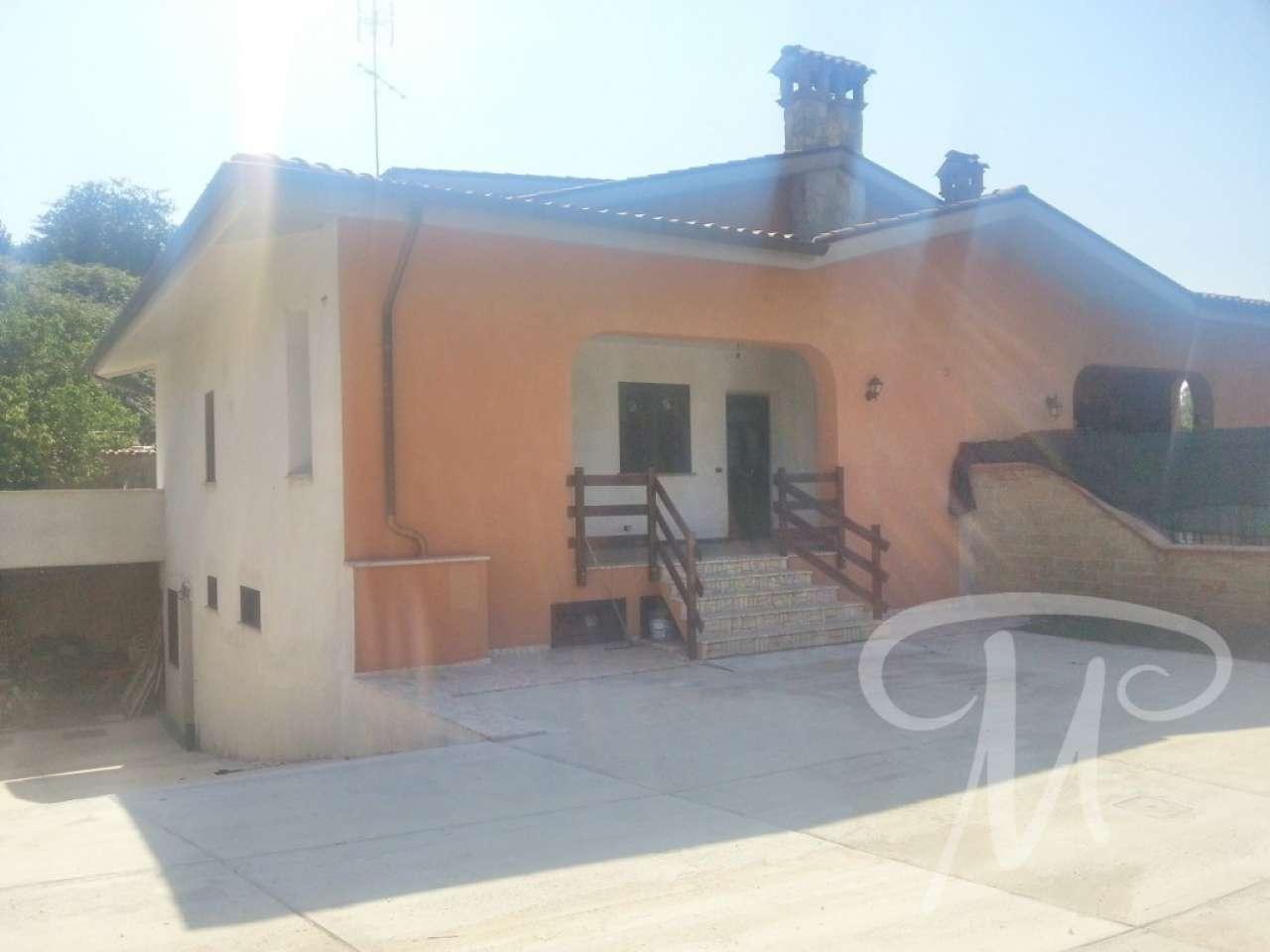 Soluzione Indipendente in affitto a Labico, 5 locali, prezzo € 600 | CambioCasa.it