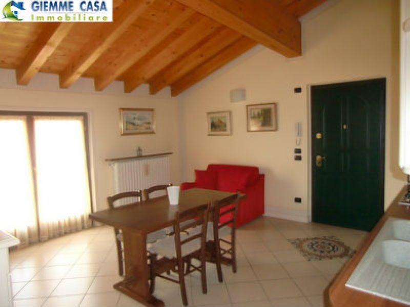 Appartamento in affitto a Mazzano, 2 locali, prezzo € 520 | CambioCasa.it