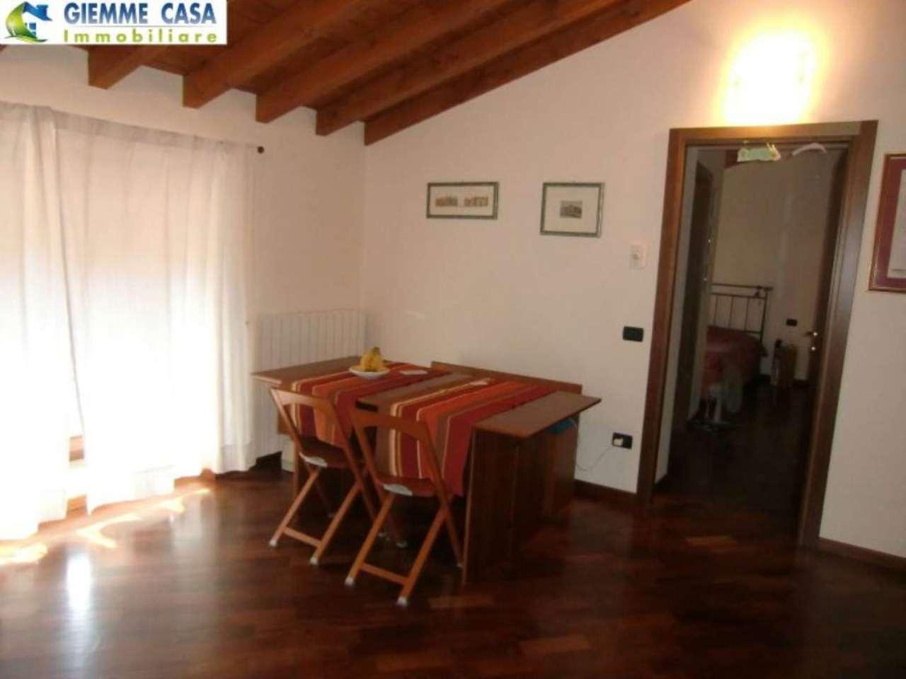 Bilocale Lonato Del Garda Via Montebello 3