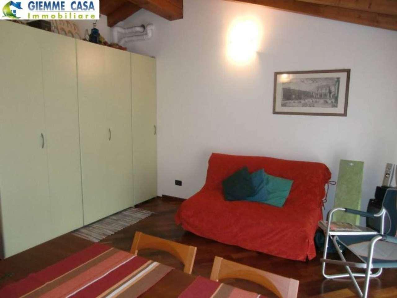 Bilocale Lonato Del Garda Via Montebello 4