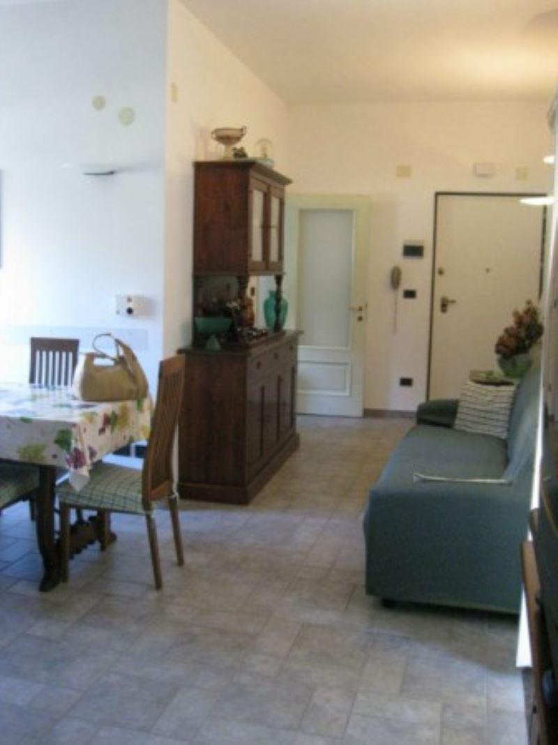 Appartamento in vendita a Cogoleto, 5 locali, prezzo € 295.000 | Cambio Casa.it