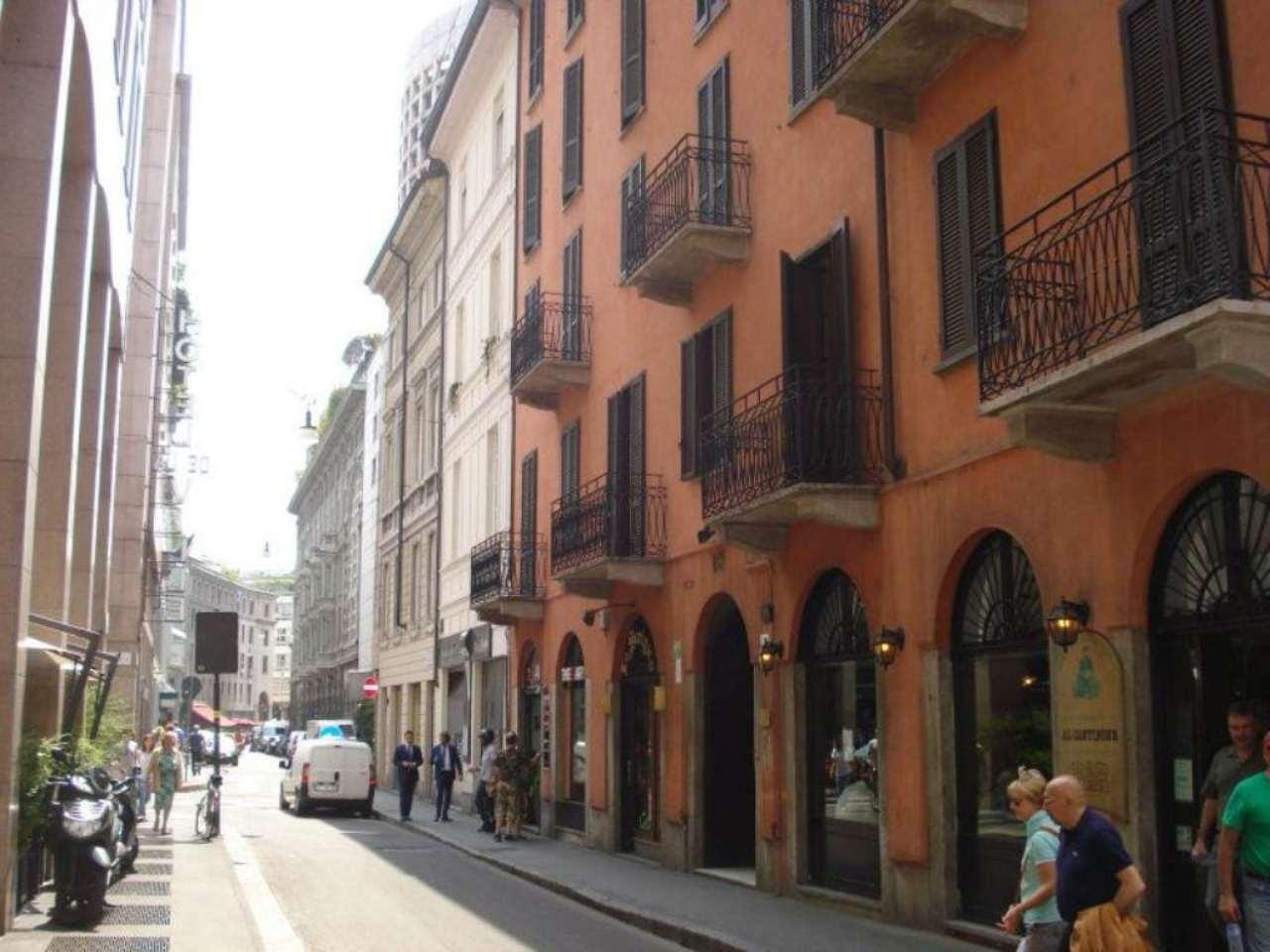 Bilocale Milano Via Agnello 1