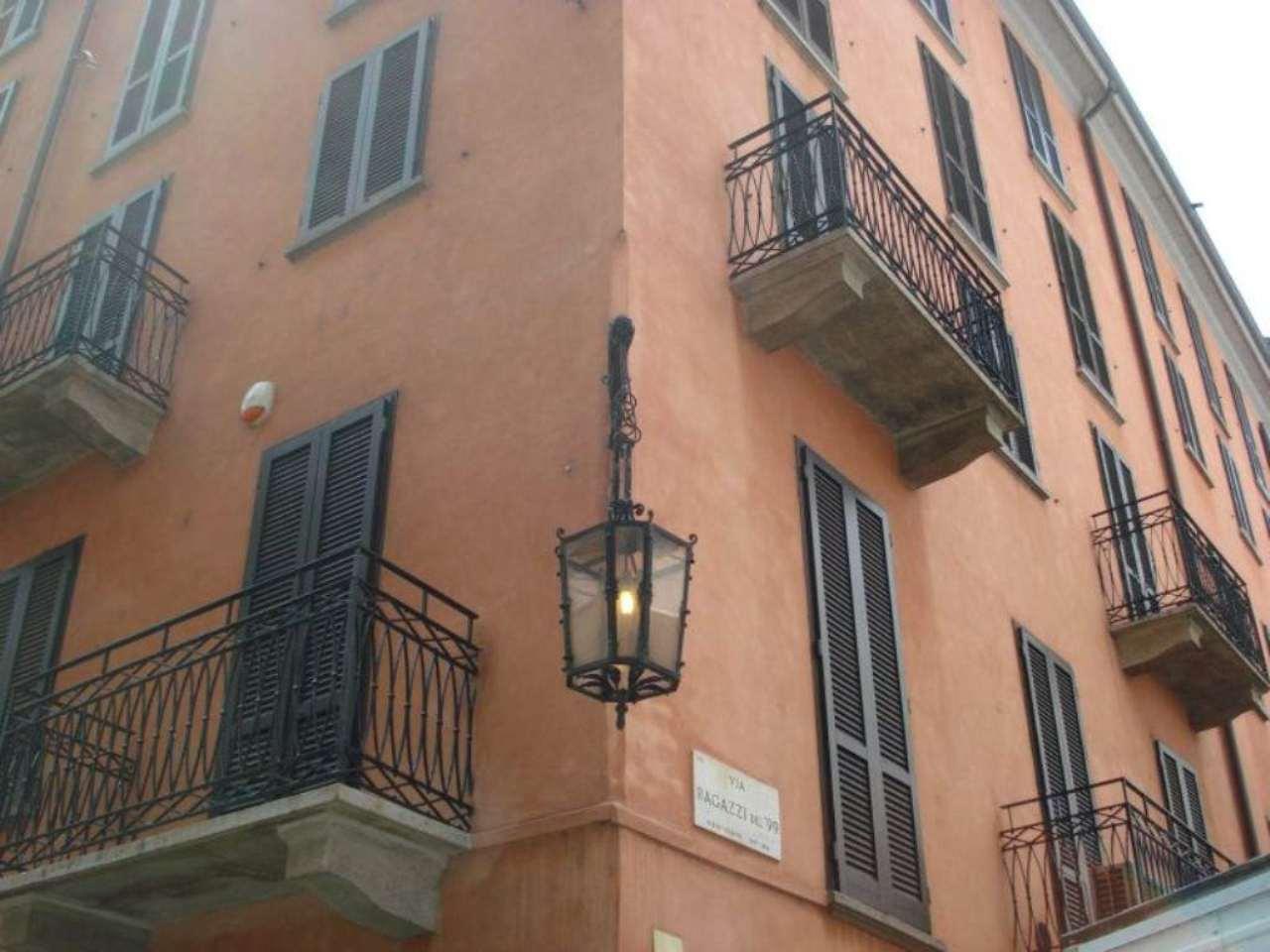 Bilocale Milano Via Agnello 11