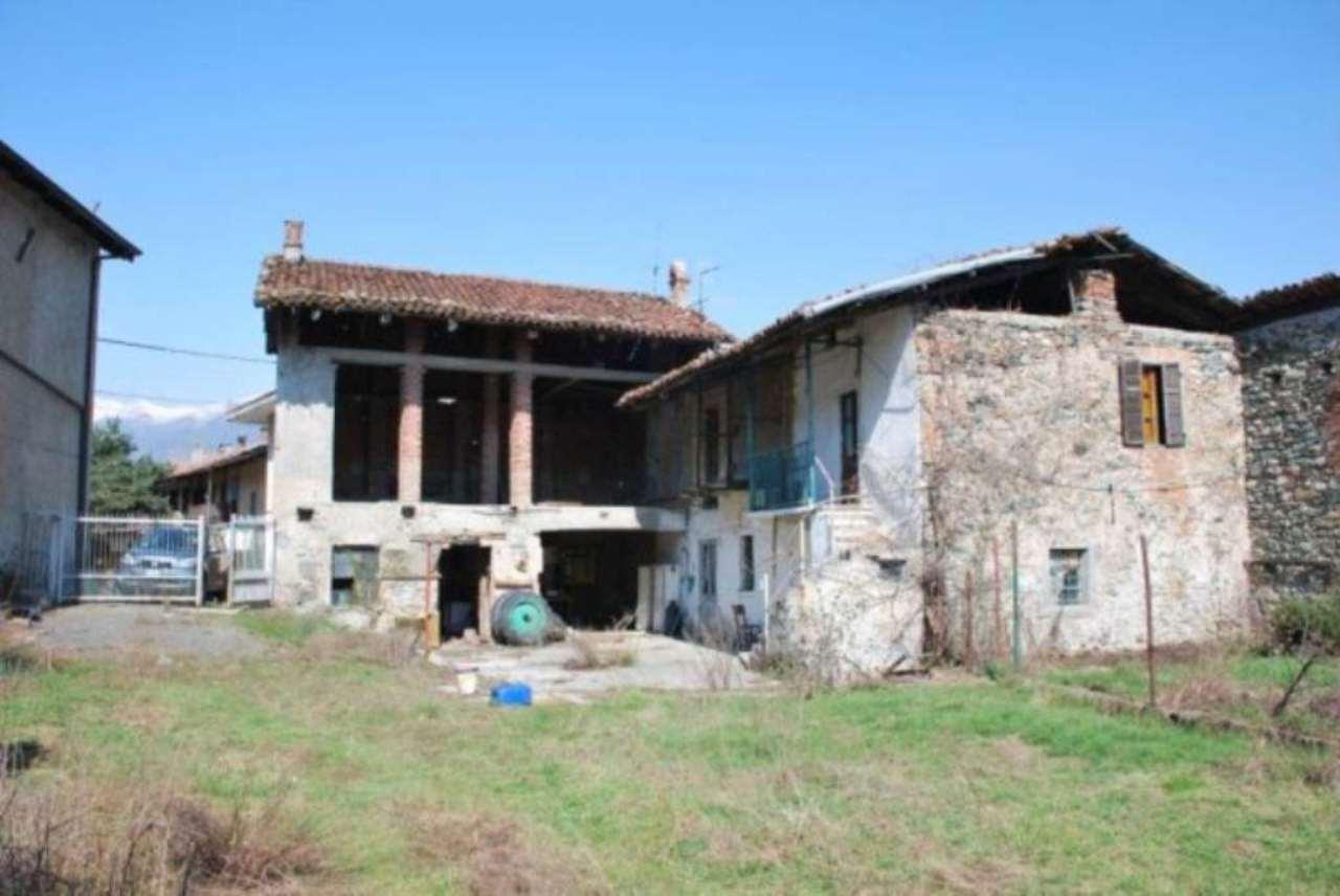 Rustico in Vendita a Avigliana Periferia: 5 locali, 960 mq