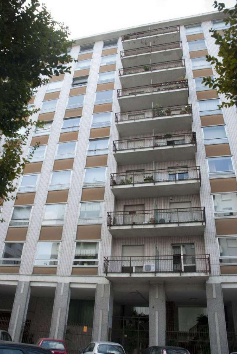 Bilocale Torino Via Viberti 10