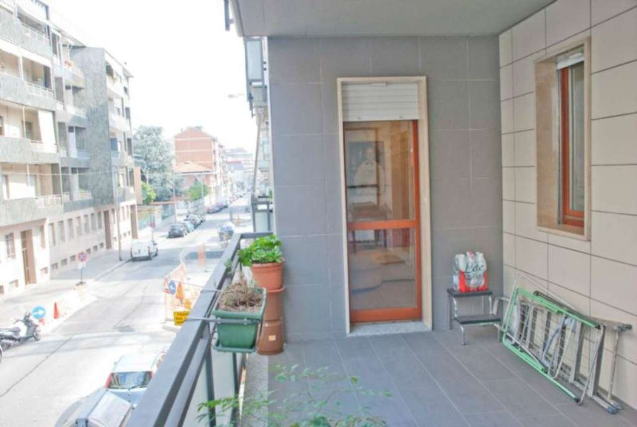 Bilocale Torino Via Barletta 11