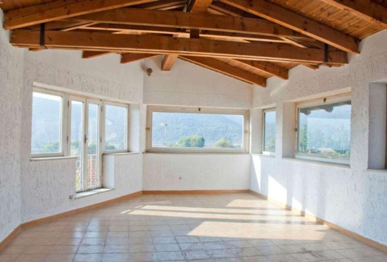 Appartamento in Vendita a Giaveno Centro: 4 locali, 110 mq