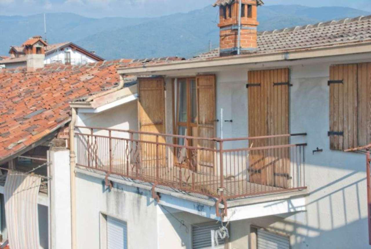 Bilocale Giaveno Via Villa 2