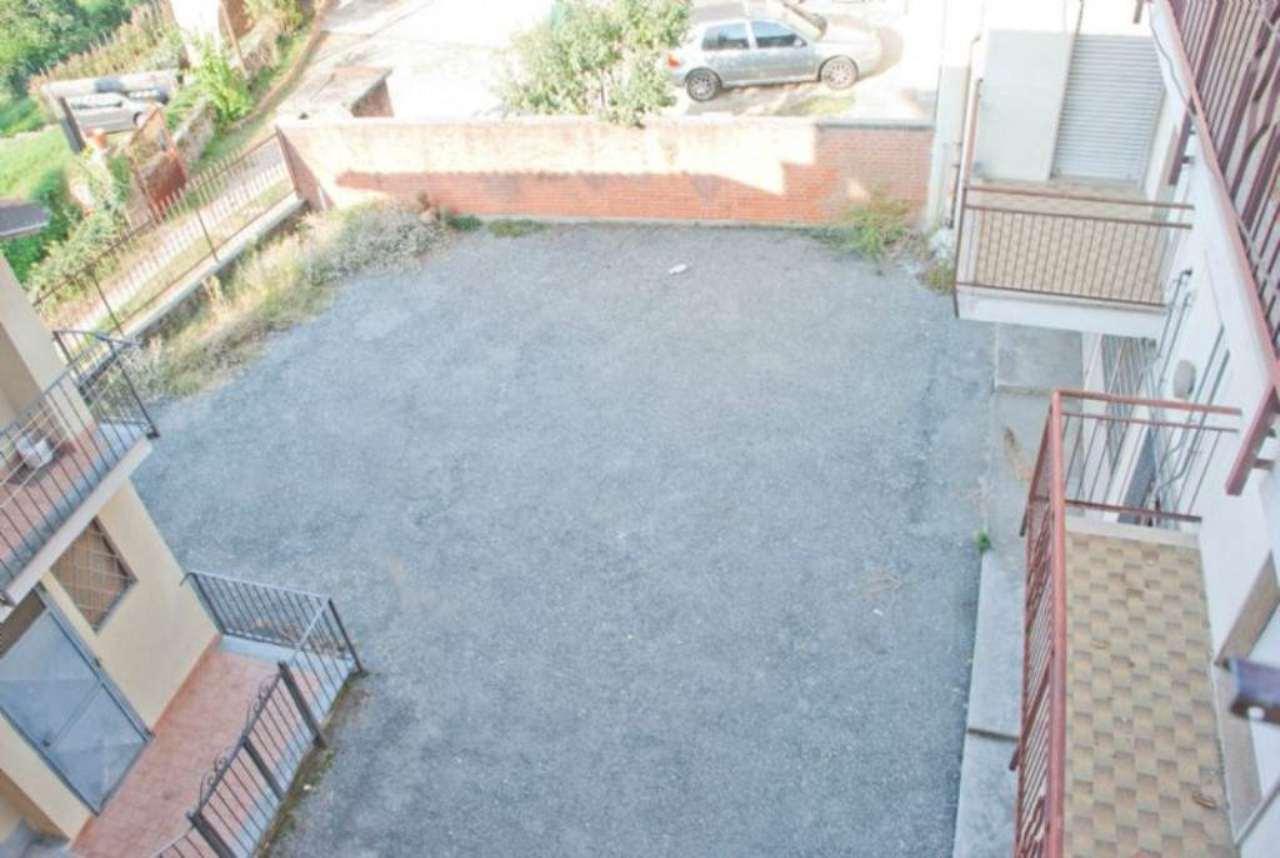 Bilocale Giaveno Via Villa 8