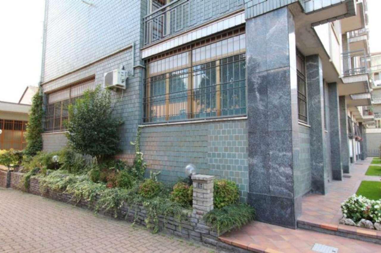 Ufficio studio in affitto a torino via montecorno for Affitto locali commerciali roma sud