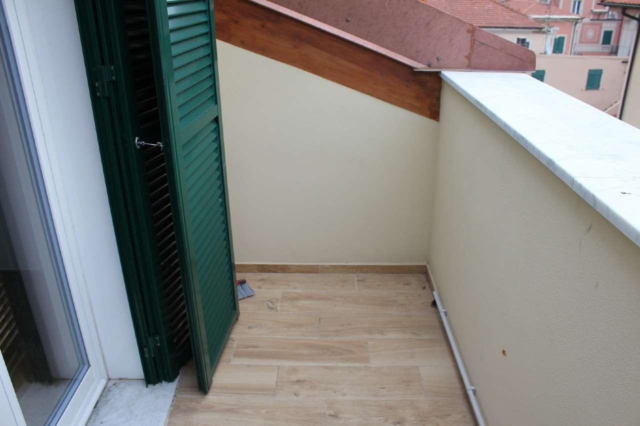 Appartamento in Vendita a Finale Ligure Centro: 3 locali, 89 mq