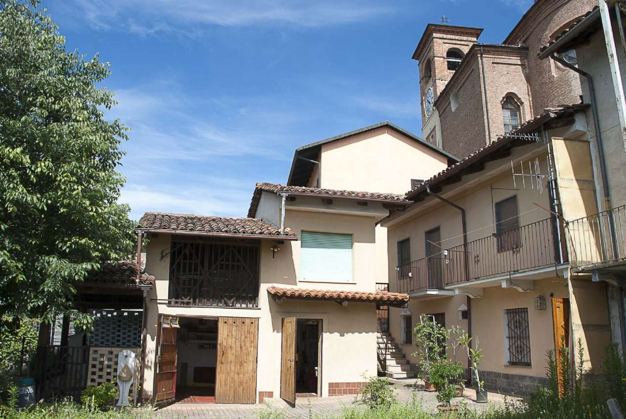 Soluzione Indipendente in vendita a Santo Stefano Roero, 5 locali, prezzo € 74.000 | Cambio Casa.it