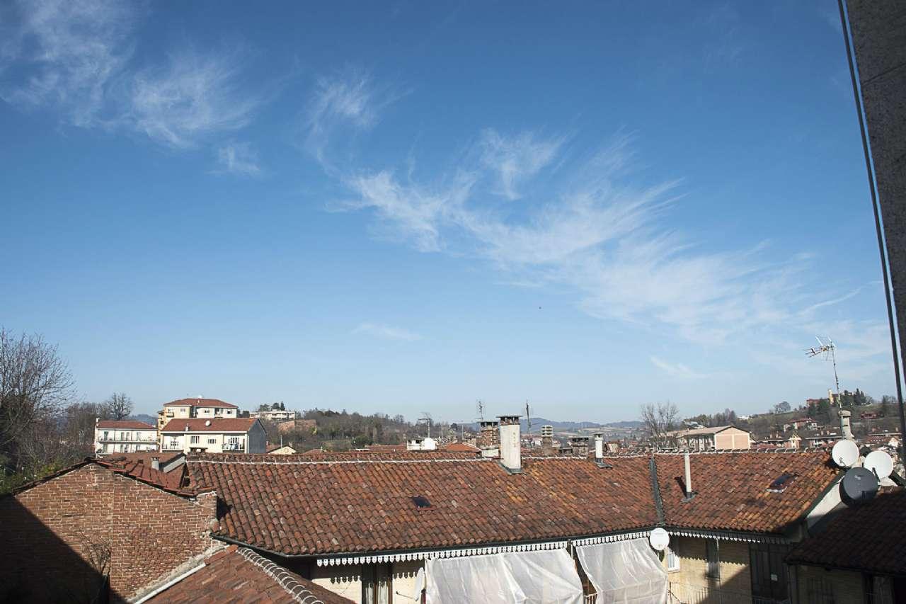 Soluzione Indipendente in vendita a Chieri, 10 locali, prezzo € 359.000 | Cambio Casa.it