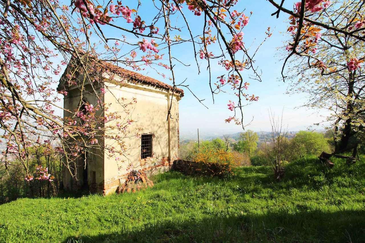 Rustico in Vendita a San Mauro Torinese: 5 locali, 600 mq