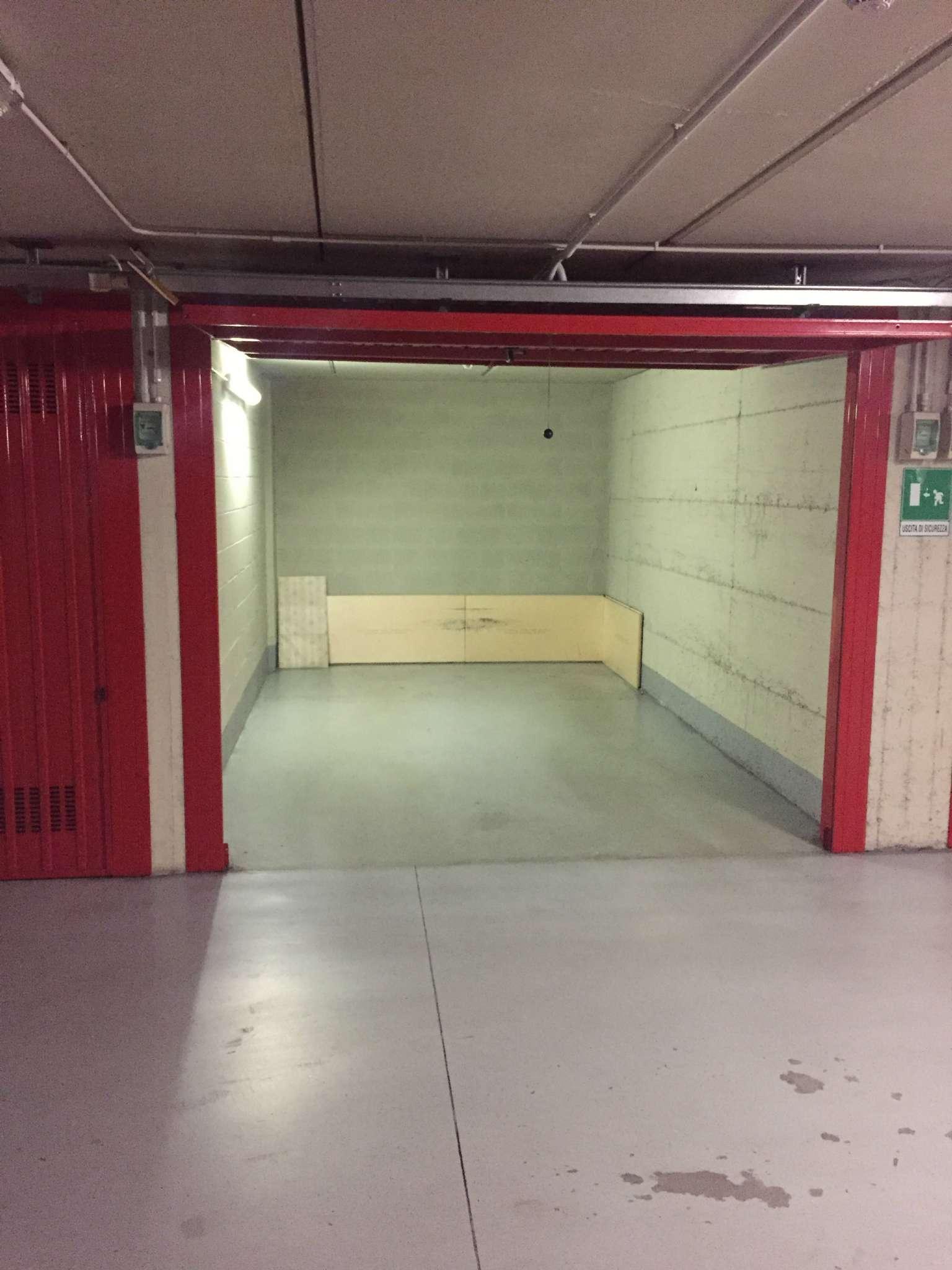 Posto-box auto in Vendita a Torino Periferia Est: 1 locali, 15 mq
