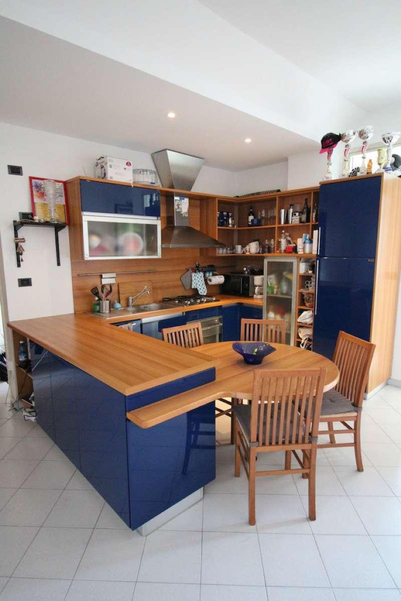 Appartamento in Vendita a Torino Semicentro: 2 locali, 65 mq
