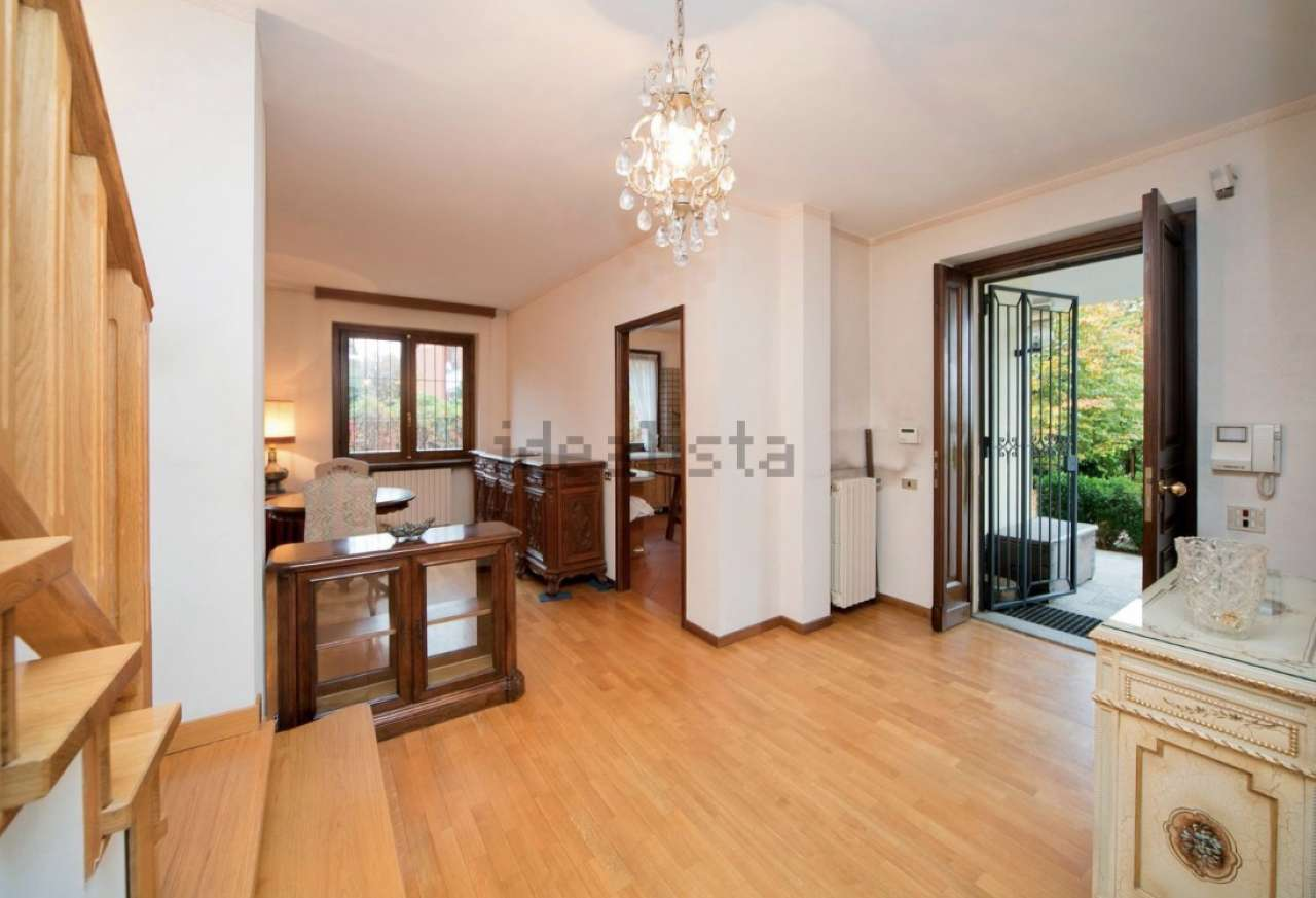 Villa in Vendita a Moncalieri Semicentro: 5 locali, 189 mq