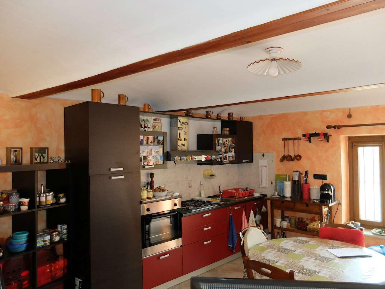 Casa indipendente in Vendita a Almese Periferia: 4 locali, 115 mq