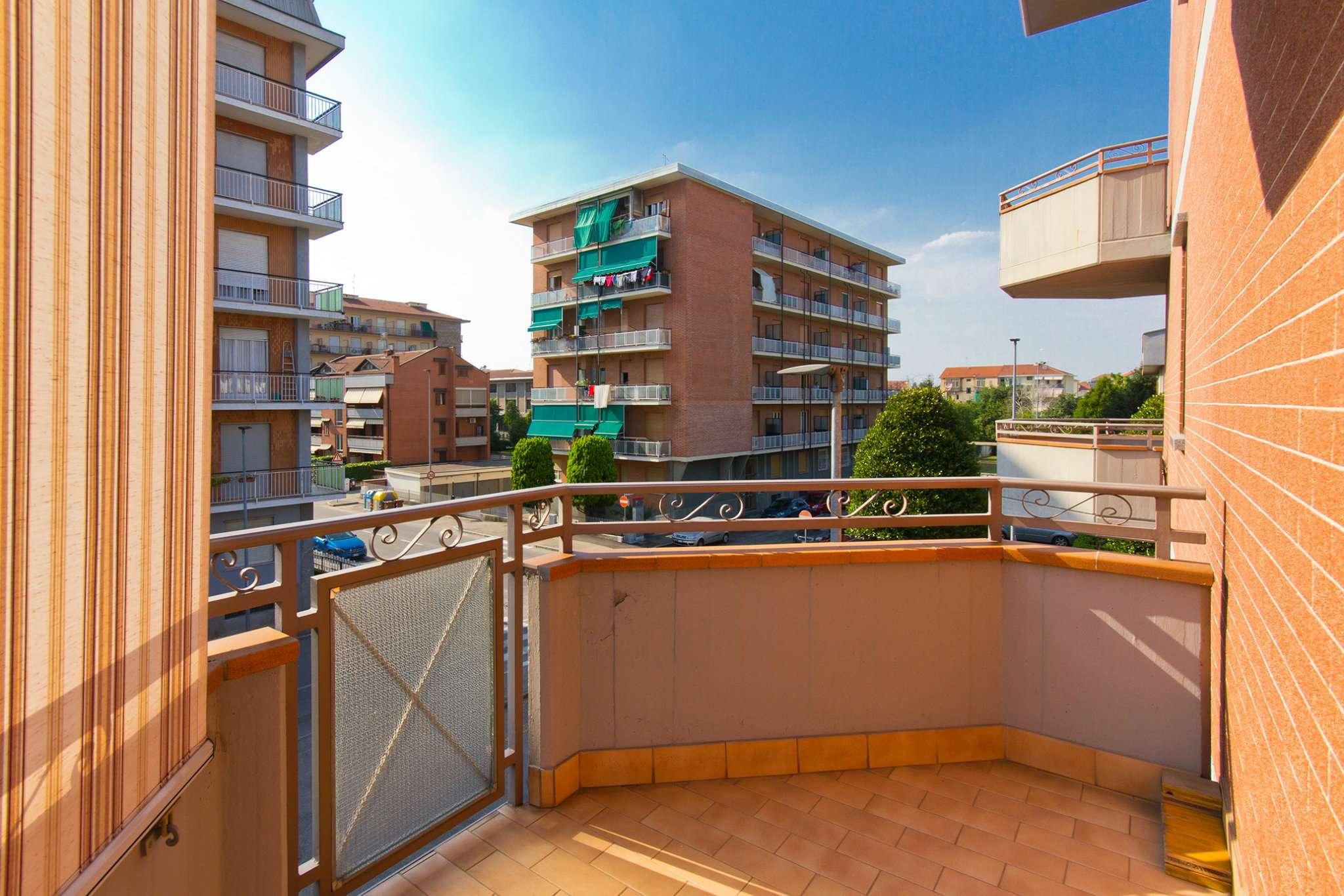 Appartamento in Vendita a Nichelino Semicentro: 4 locali, 112 mq