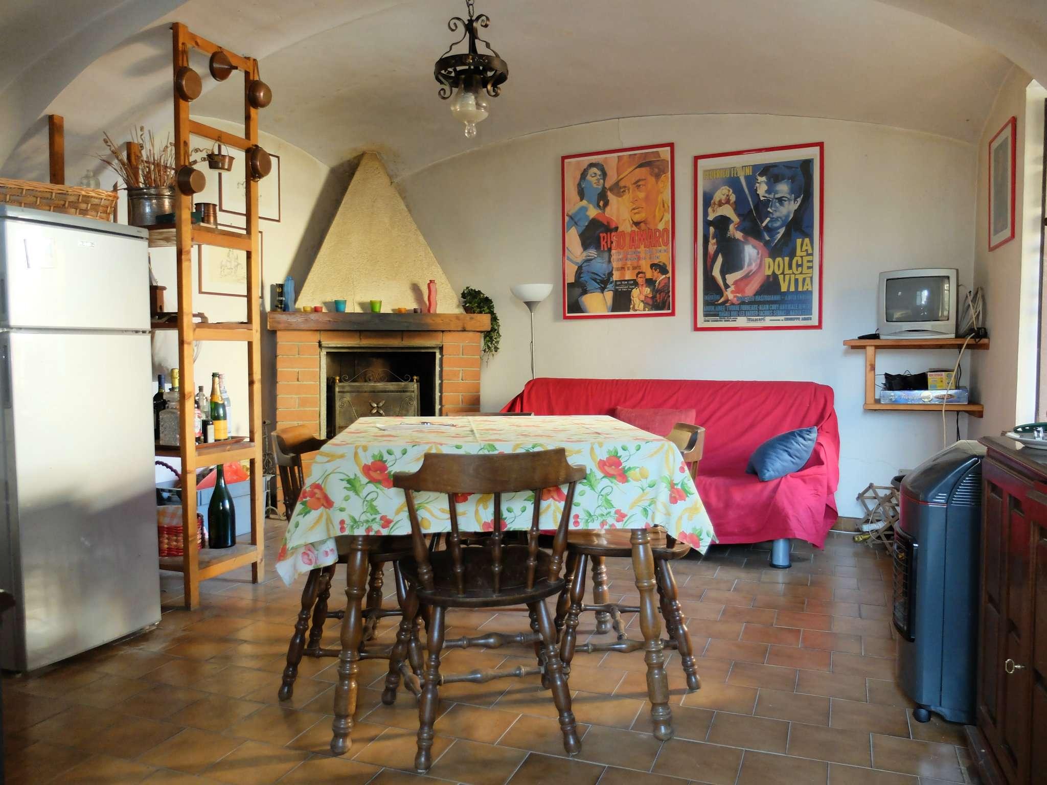 Foto 1 di Casa indipendente borgata Paschero 8, Rubiana