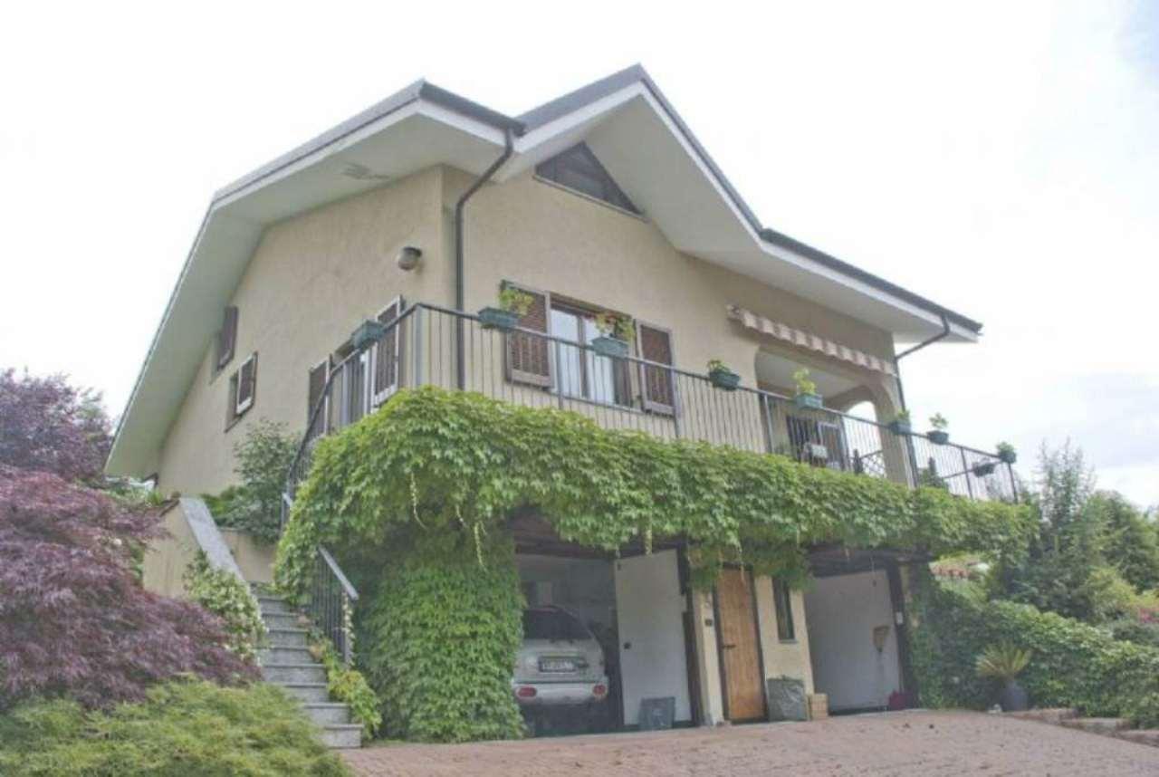 Villa in vendita a Giaveno, 7 locali, prezzo € 350.000 | Cambio Casa.it