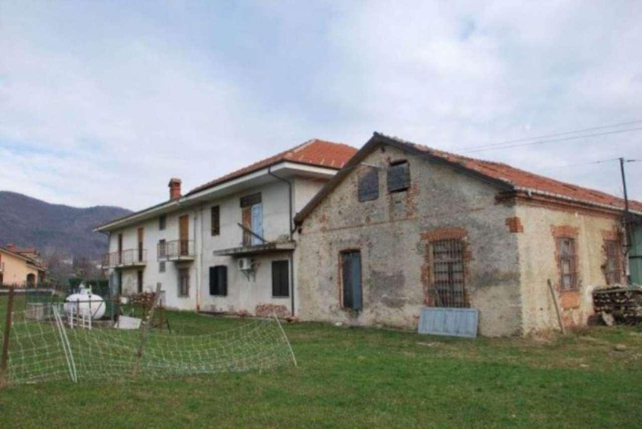 Rustico / Casale in vendita a Giaveno, 6 locali, prezzo € 650.000 | CambioCasa.it