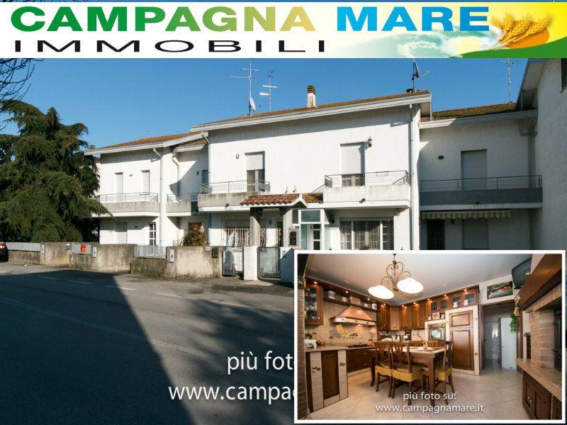 Villa a Schiera in vendita a Lagosanto, 4 locali, prezzo € 155.000 | Cambiocasa.it