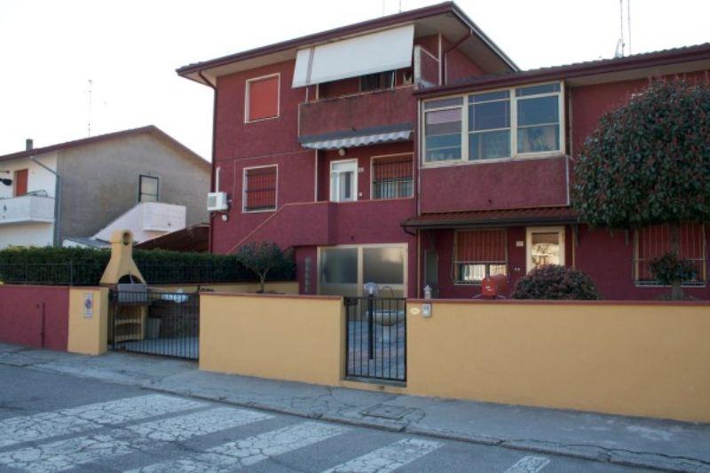 Villa a Schiera in vendita a Lagosanto, 4 locali, prezzo € 80.000 | Cambiocasa.it