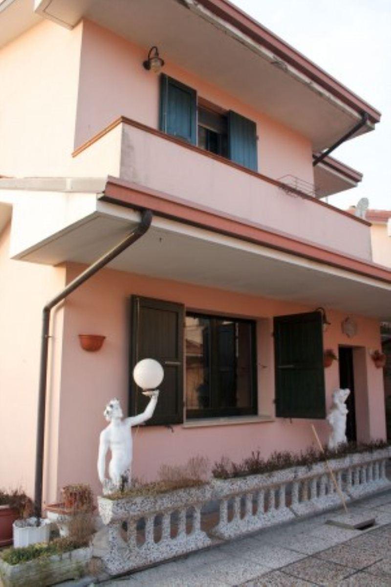 Villa in vendita a Lagosanto, 3 locali, prezzo € 160.000 | Cambiocasa.it