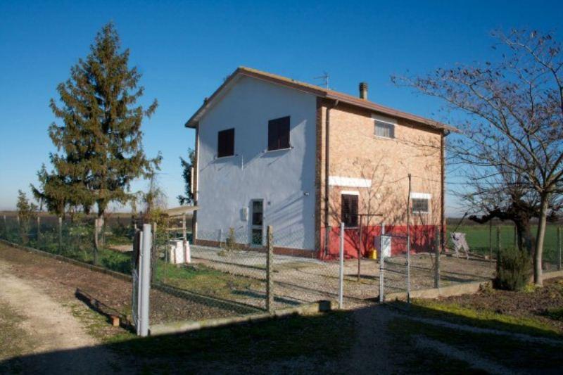 Soluzione Indipendente in vendita a Lagosanto, 6 locali, prezzo € 79.000 | Cambiocasa.it