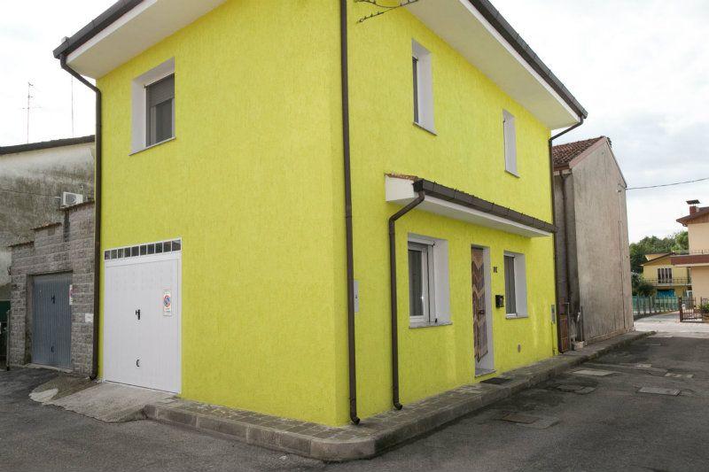 Soluzione Indipendente in vendita a Lagosanto, 6 locali, prezzo € 99.000 | Cambiocasa.it
