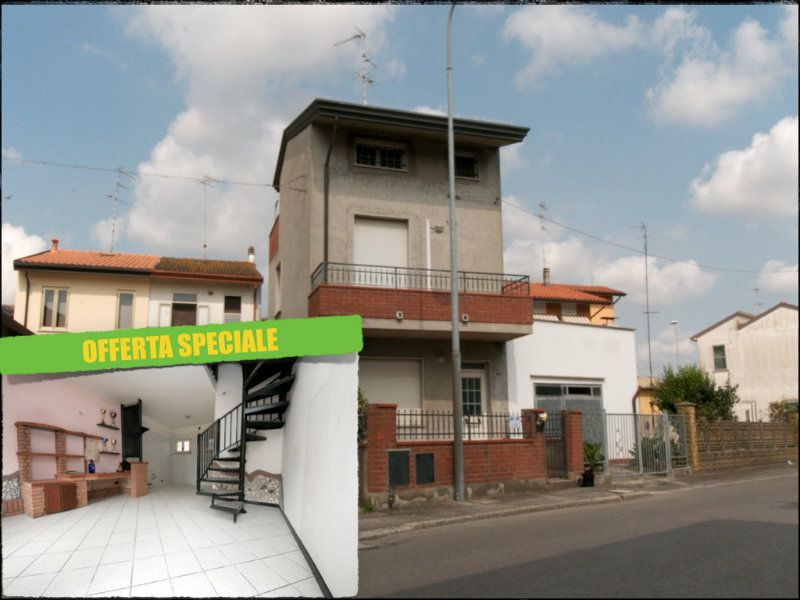 Palazzo / Stabile in vendita a Lagosanto, 5 locali, prezzo € 99.000 | Cambiocasa.it