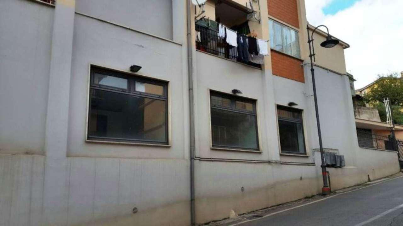 Negozio / Locale in vendita a Palombara Sabina, 5 locali, prezzo € 189.000 | Cambio Casa.it