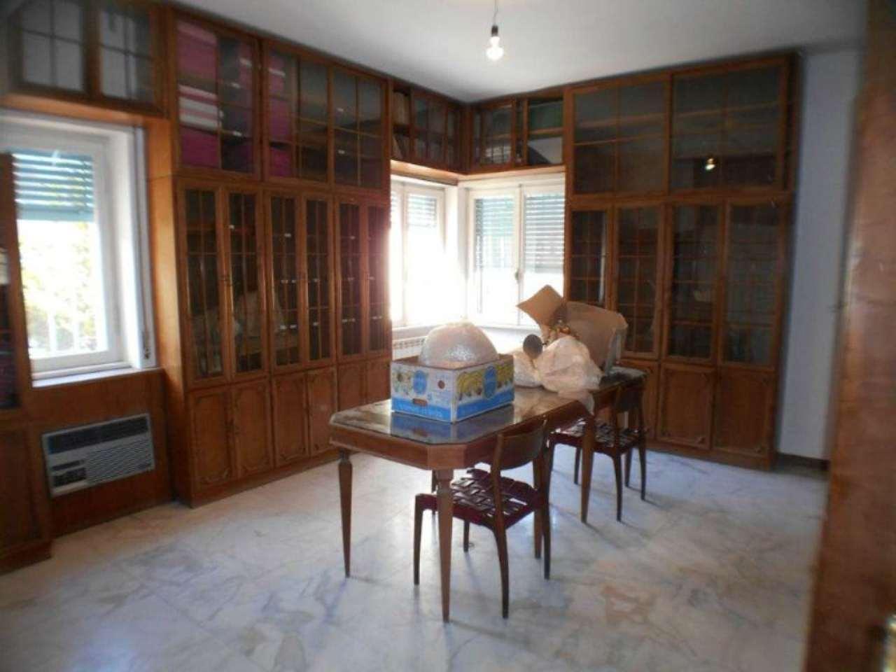 Ufficio / Studio in affitto a Tivoli, 5 locali, prezzo € 1.100 | Cambio Casa.it