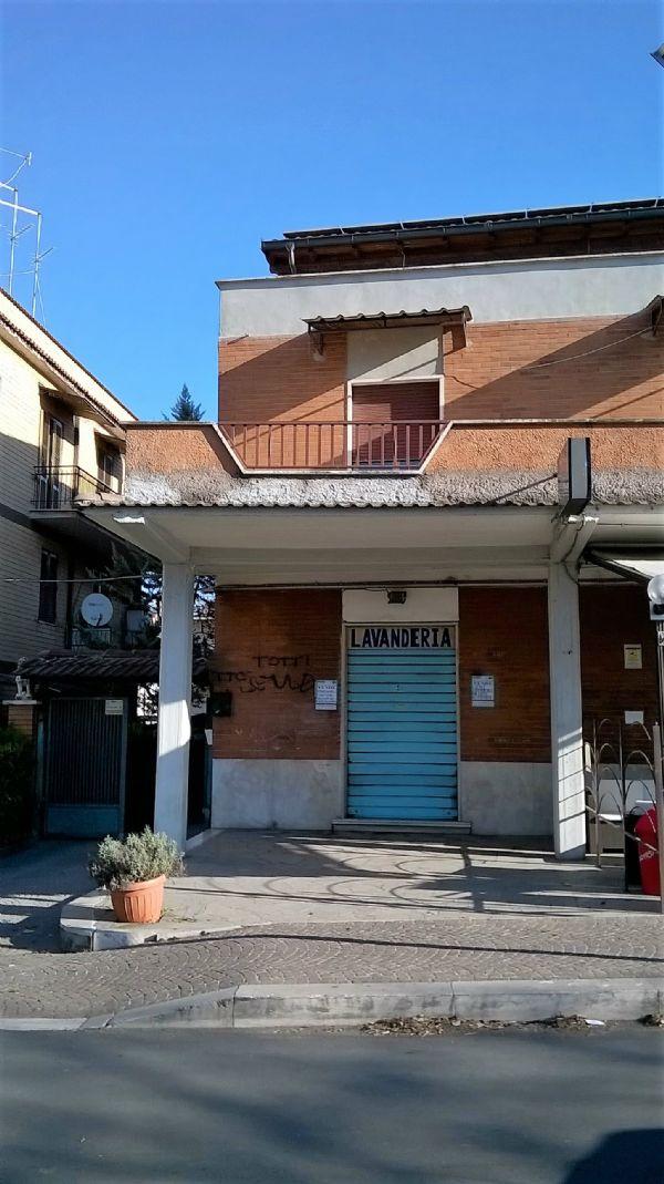 Negozio / Locale in vendita a Tivoli, 1 locali, prezzo € 99.000 | CambioCasa.it