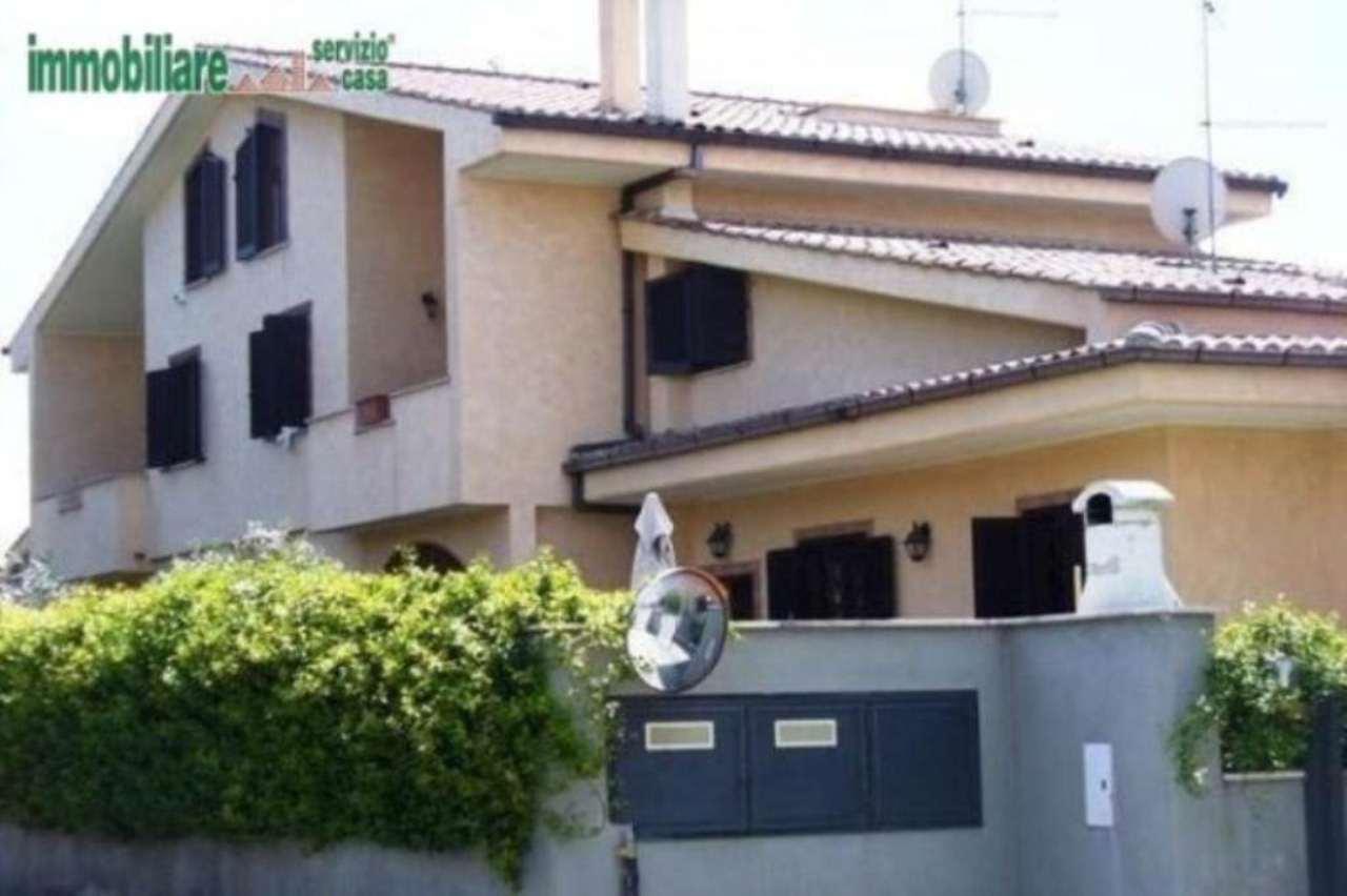 Villa in vendita a Tivoli, 4 locali, prezzo € 299.000 | Cambio Casa.it