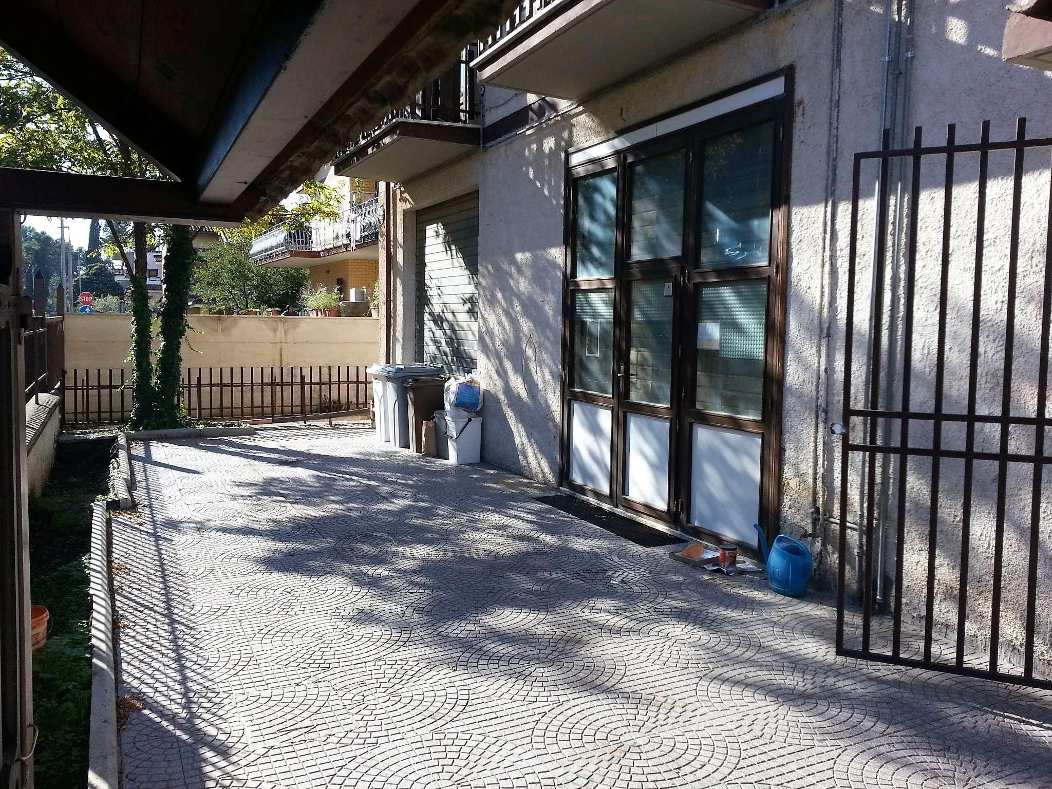 Negozio / Locale in vendita a Guidonia Montecelio, 1 locali, prezzo € 45.000 | CambioCasa.it