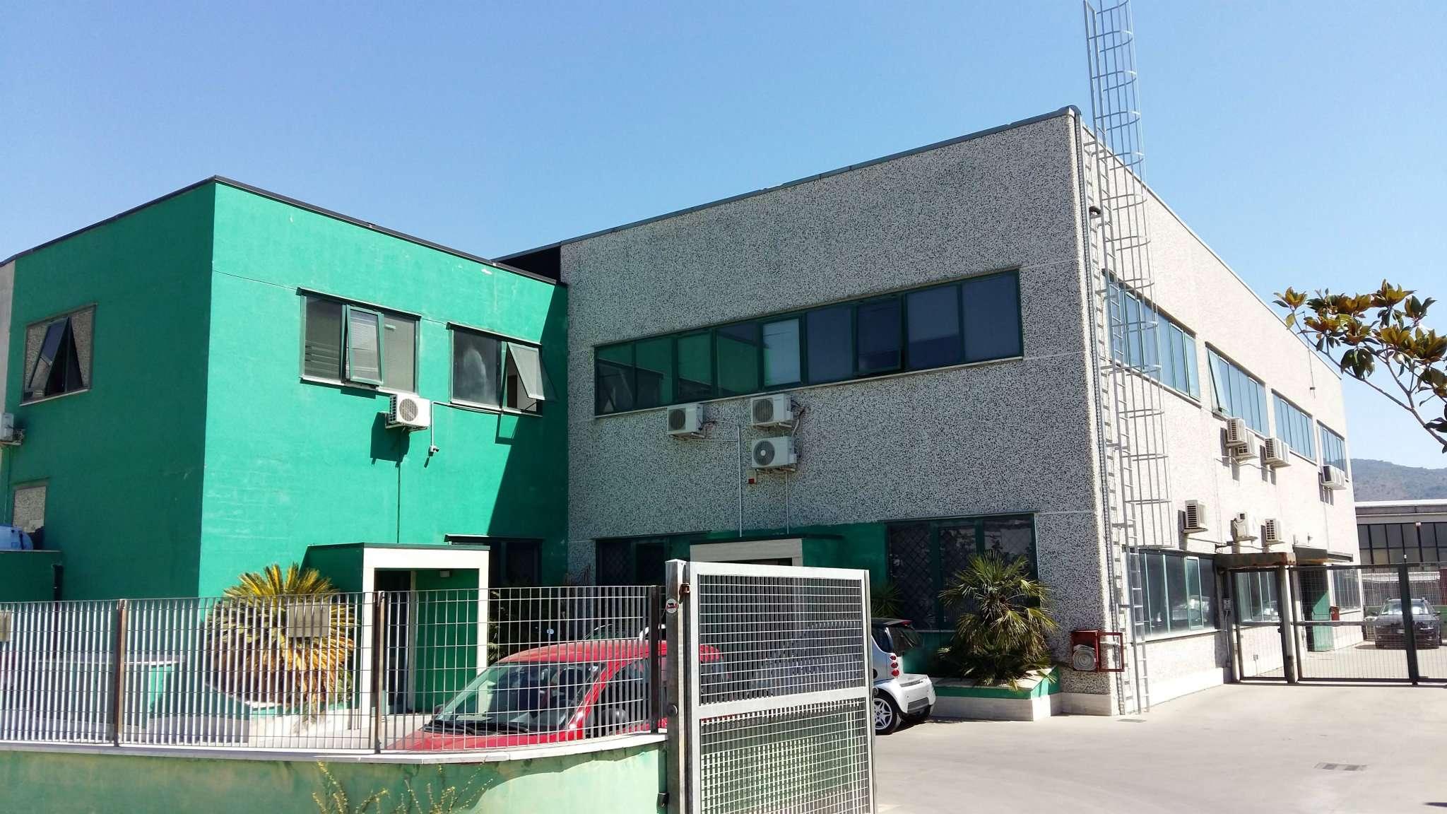 Negozio / Locale in vendita a Tivoli, 5 locali, prezzo € 169.000 | CambioCasa.it