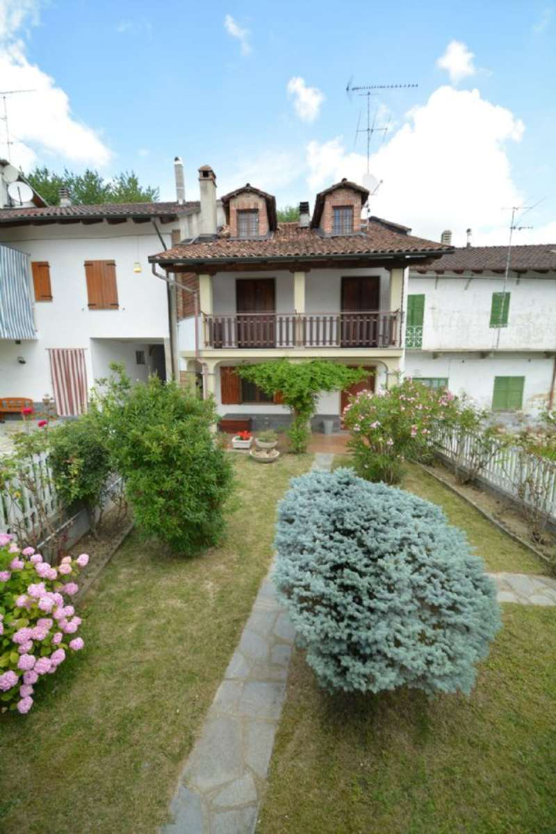 Soluzione Indipendente in vendita a Montiglio Monferrato, 7 locali, prezzo € 137.000 | CambioCasa.it